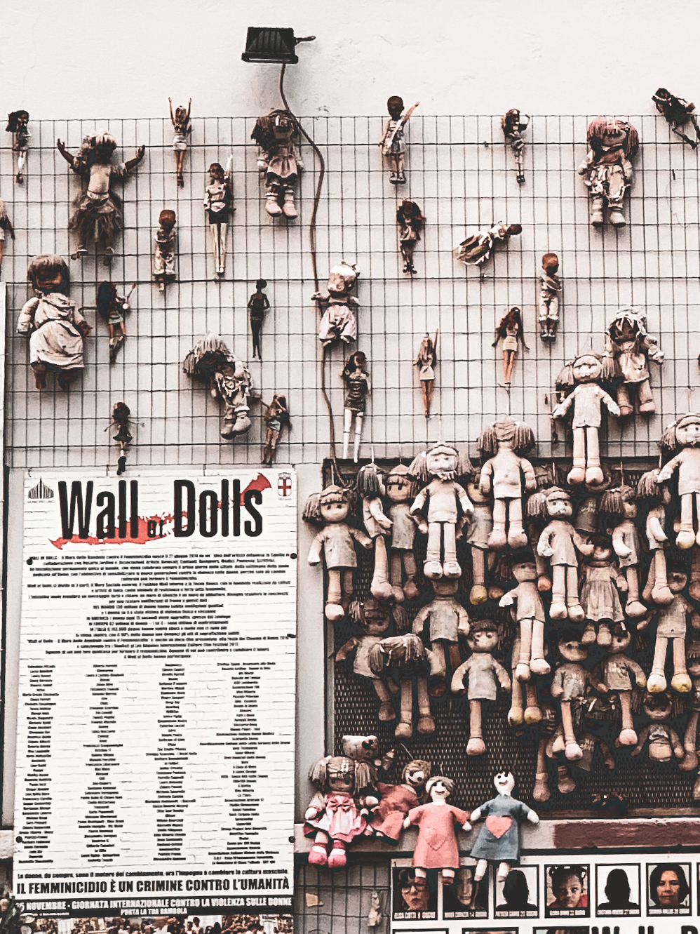 Wall of Dolls - Milano